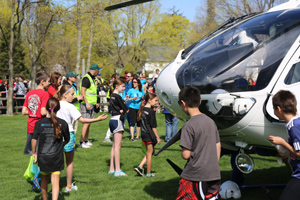 5k Kids near Helicopter